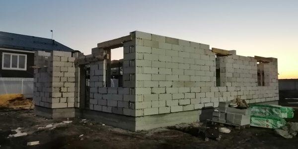 Монтаж блоков 1 этажа